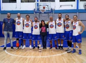 +43A Tres de Febrero A 101 vs Ciudad de Buenos Aires 74: con la medalla colgada
